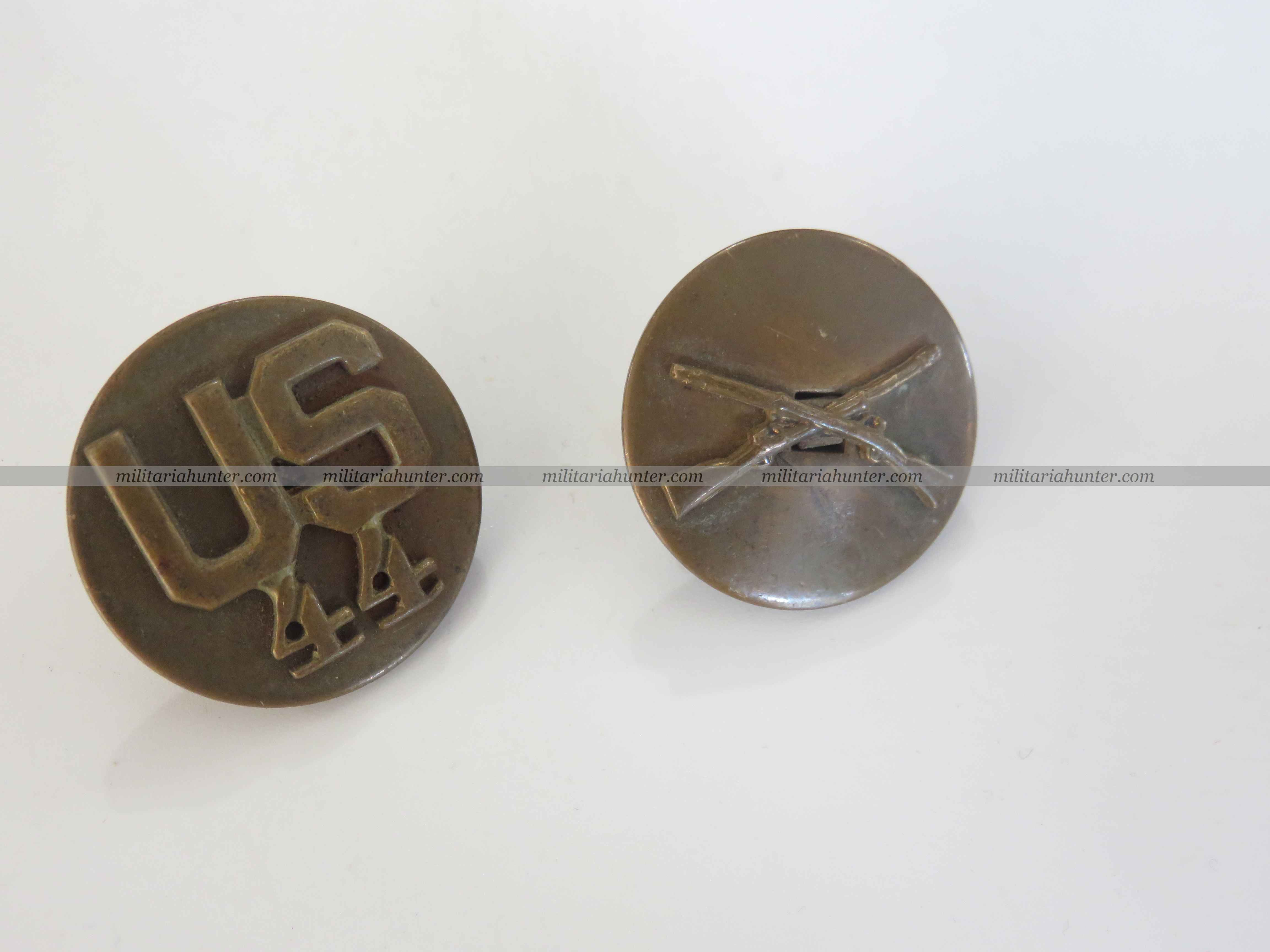 militaria : ww2 paire de disques de col US 44th Infantry - collar type 3a 1937-1943