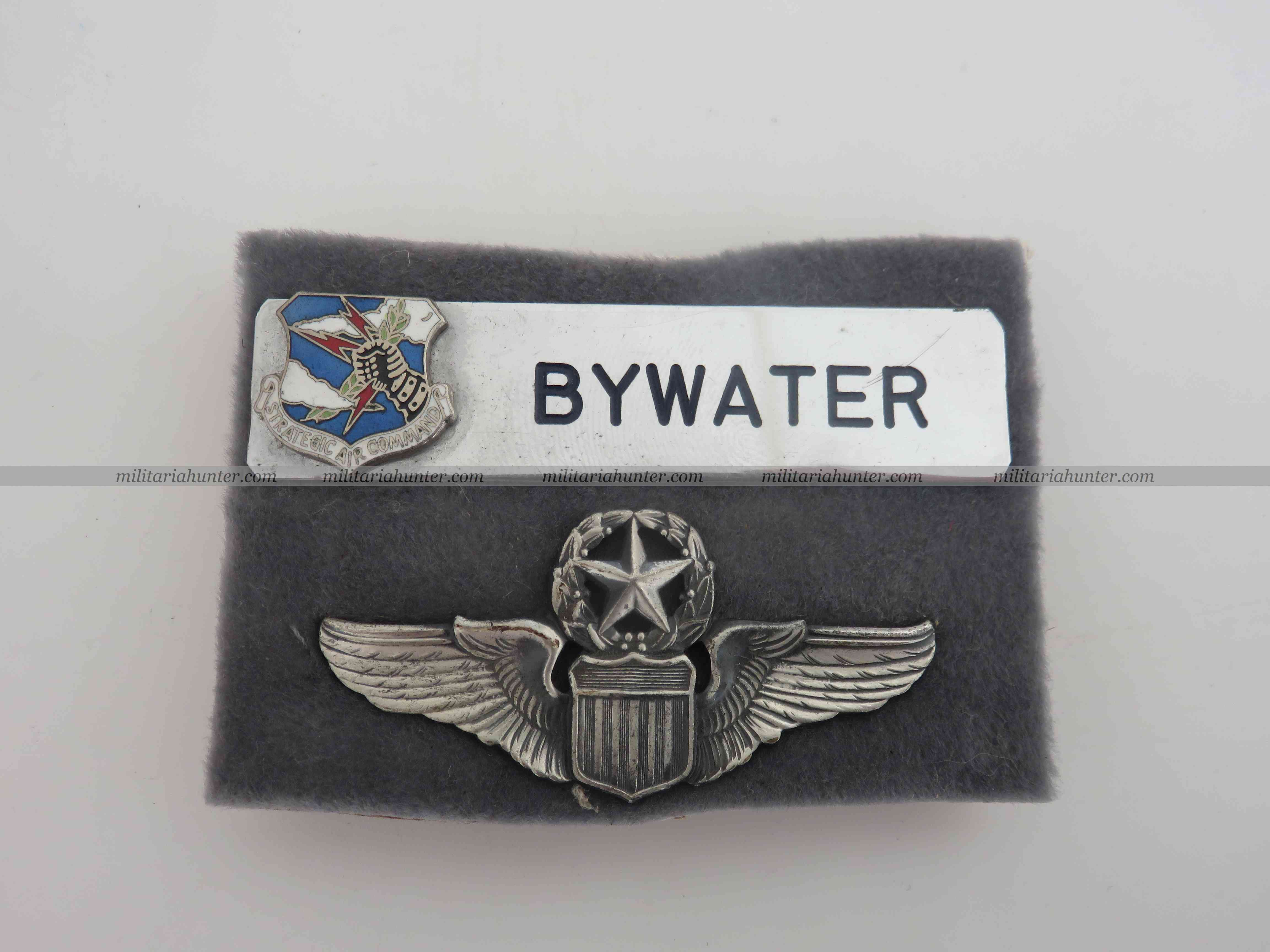 Militaria Hunter   Achat Vente Estimation Militaria ww1 ww2 Brigadier General Bywater pilot wings and named crest strategic air command