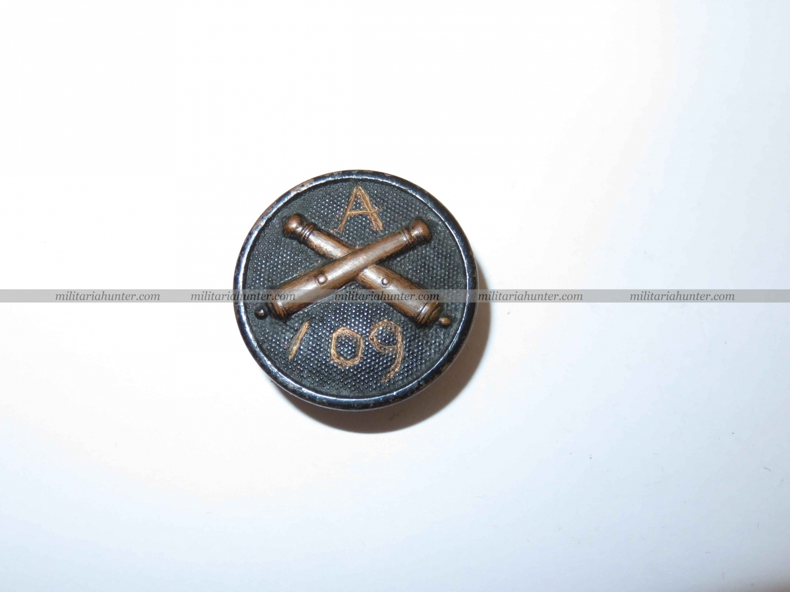 militaria : Collar disc Artillery 109th A battery handcrafted