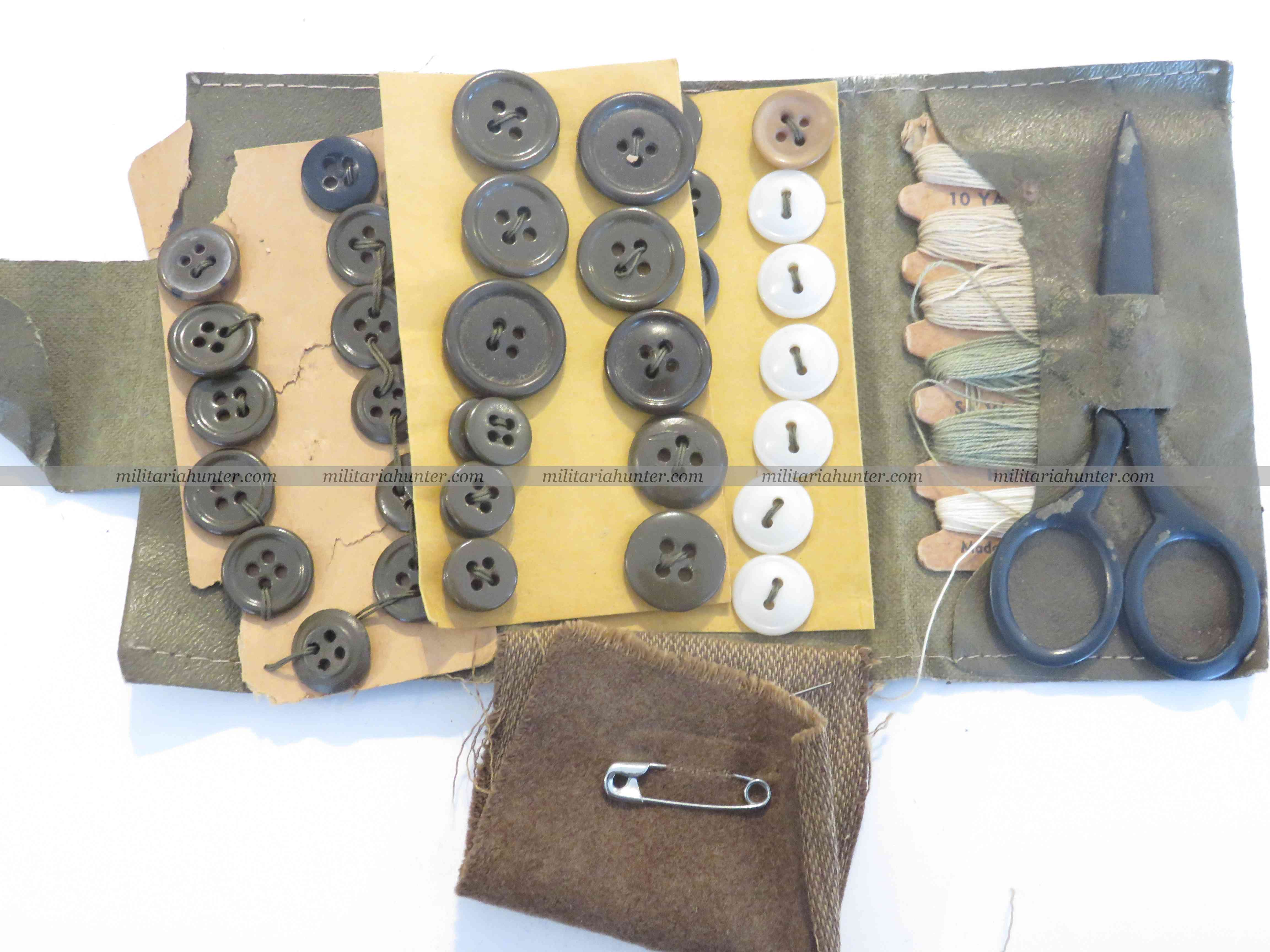 militaria : US WWII Sewing kit - kit de couture du GI
