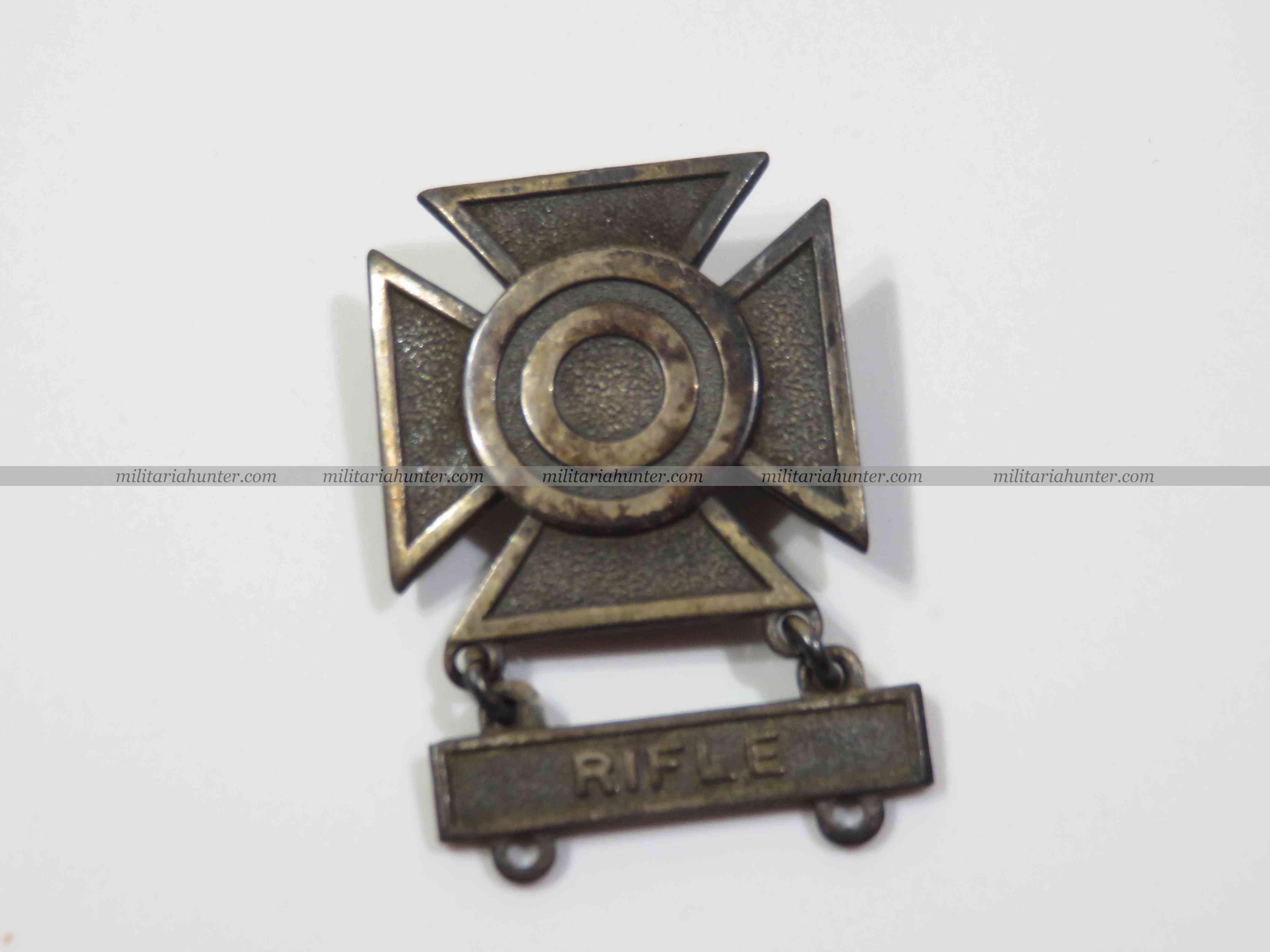 militaria : US ww2 badge de qualification M24 tireur d'élite au fusil